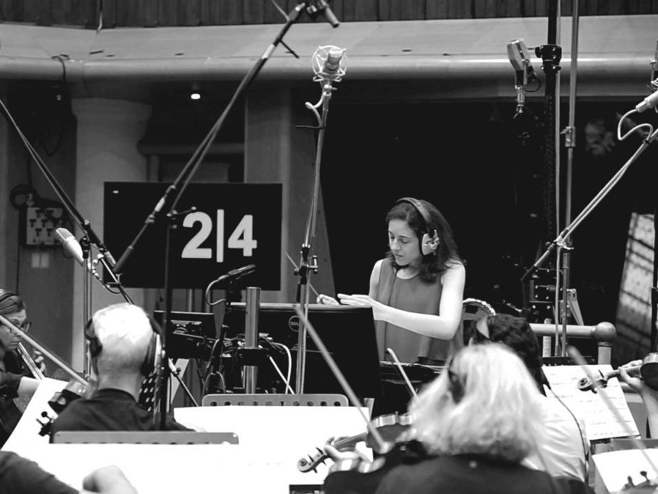 Dirigiendo en Air Studios - Blanco y negro